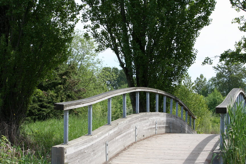 bridge_entrance_from_campus_small