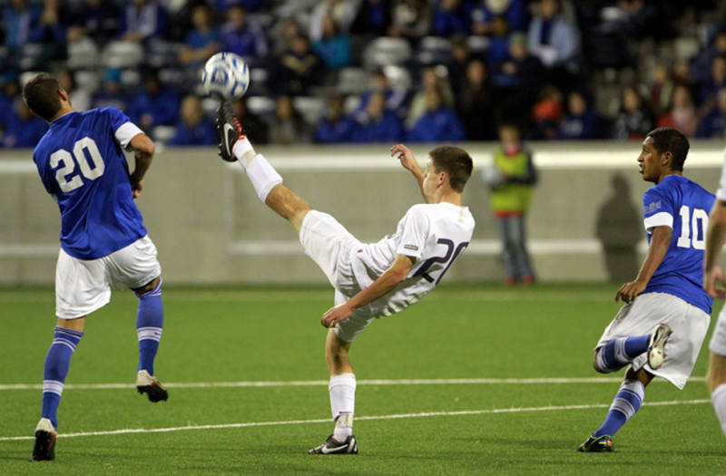 UW Men's Soccer