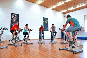 Indoor_Cycle_Class_at_a_Gym